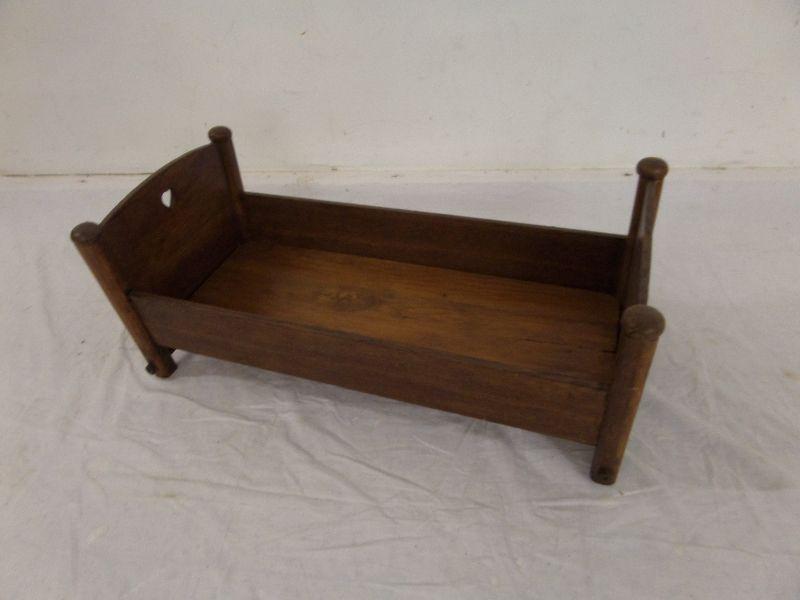 antik holz bett puppenbett babybett. Black Bedroom Furniture Sets. Home Design Ideas