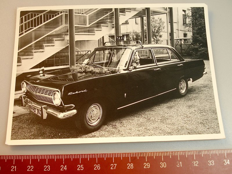 opel rekord taxi hamburg ca 70er jahre originalfoto. Black Bedroom Furniture Sets. Home Design Ideas
