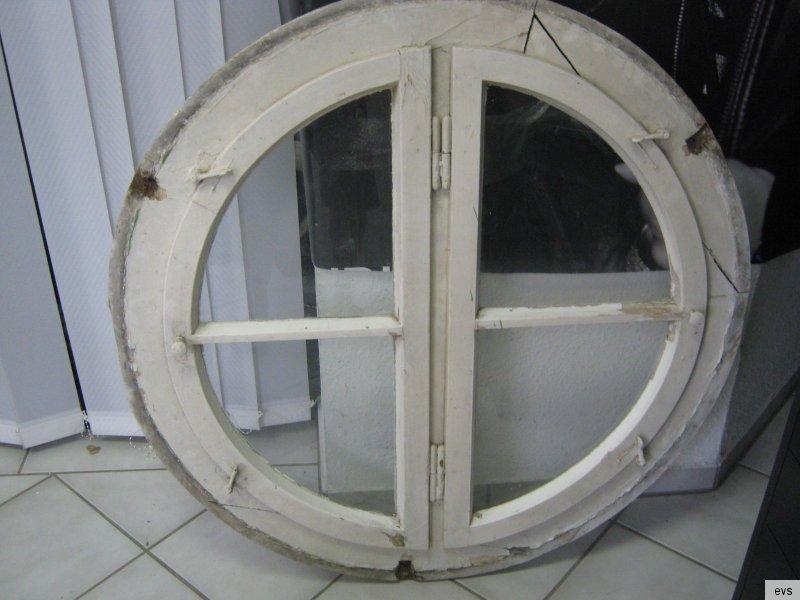 Altes gro es rundes fenster 98 cm holzfenster for Rundes fenster