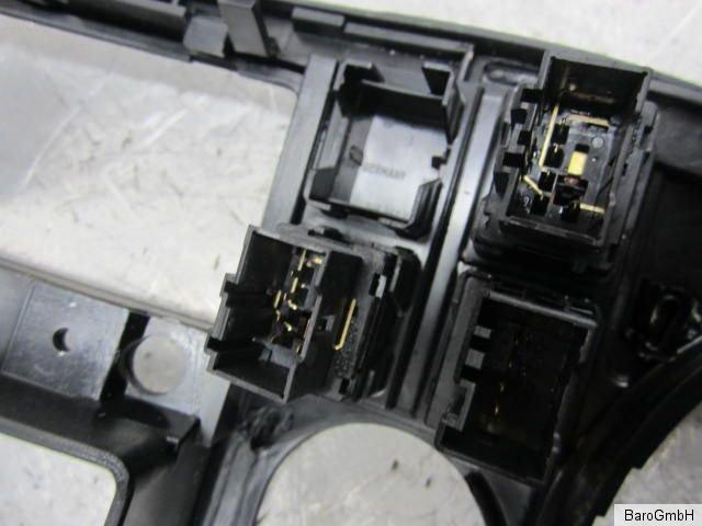 vw t5 2004 abdeckung blende mittelkonsole mit schaltern. Black Bedroom Furniture Sets. Home Design Ideas