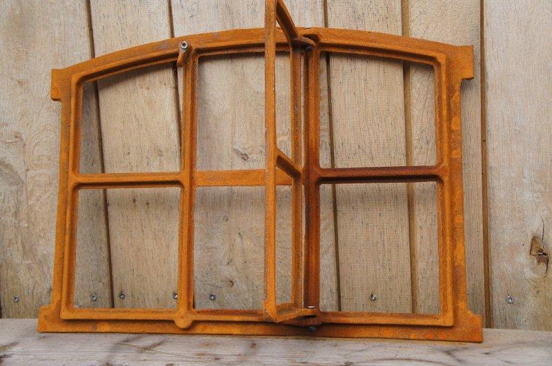 fenster eisenfenster scheunenfenster gussfenster gartenmauer stallfenster remise ebay. Black Bedroom Furniture Sets. Home Design Ideas