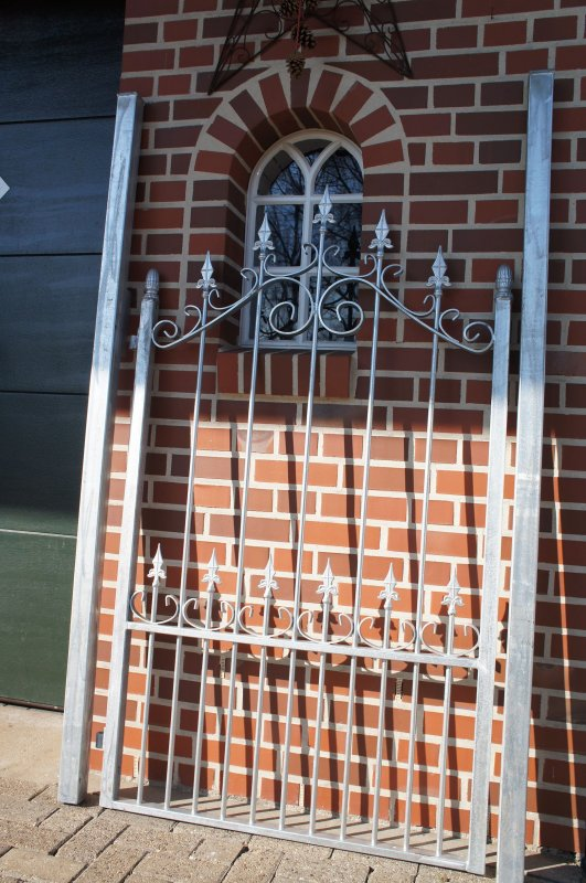 gartentor eingangstor tor mit pfosten eisentor t rchen porte verzinkt ebay. Black Bedroom Furniture Sets. Home Design Ideas