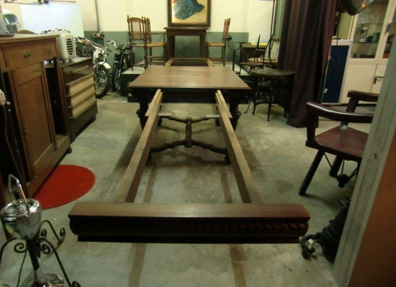 antiker esstisch ausziehbar auf ca 5 meter nussbaum sehr schwer ebay. Black Bedroom Furniture Sets. Home Design Ideas