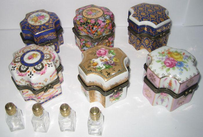 6x porzellan dosen mit je 4 parf m flakons aus glas im. Black Bedroom Furniture Sets. Home Design Ideas