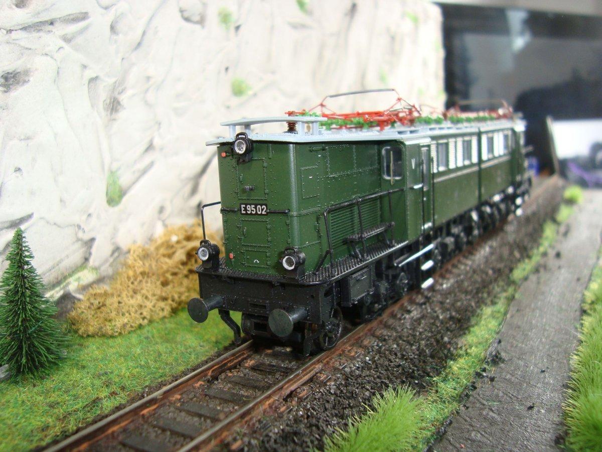 Mes  locos électrique à bièlles 4c6fb64b67410a11c94409f146835ff9e