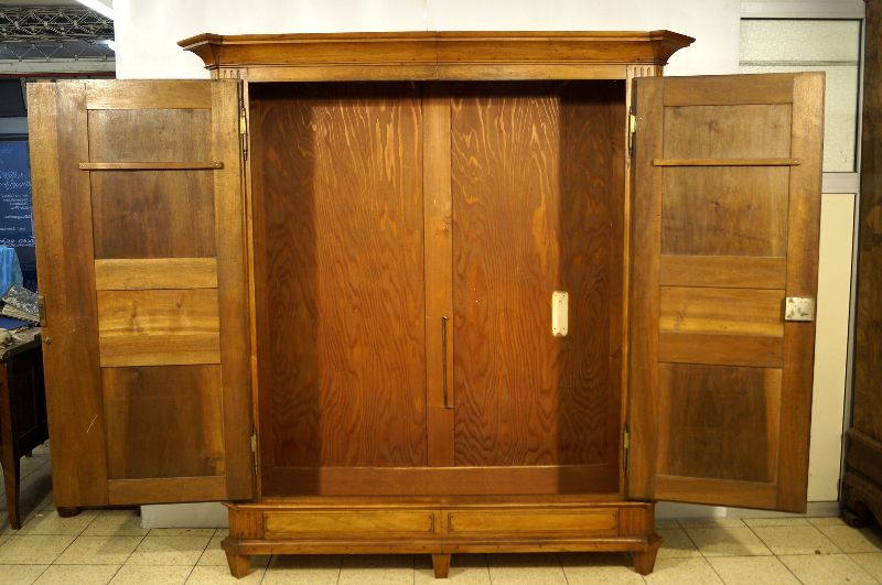 seltener louis seize schrank nussbaum intarsiert um 1780 barockschrank ebay. Black Bedroom Furniture Sets. Home Design Ideas