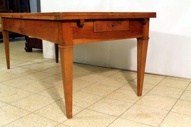 grosser biedermeier wirtshaustisch um 1820 esstisch kirschbaum ausziehbar 374cm. Black Bedroom Furniture Sets. Home Design Ideas
