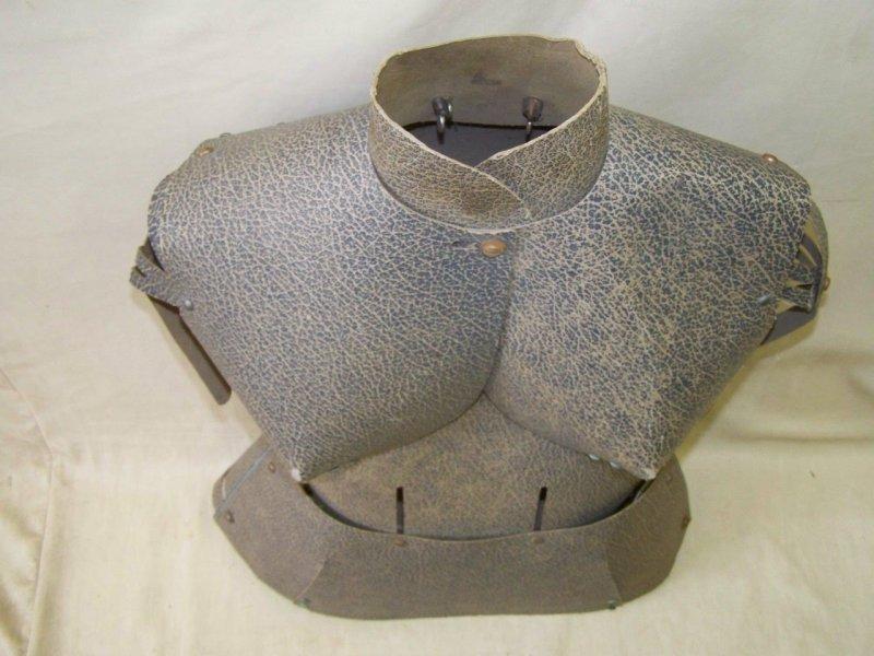 Formes vestimentaires vintage à vendre