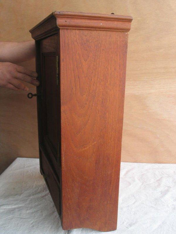 alter wandschrank wandschr nkchen mit regalen und schublade eiche holz ebay. Black Bedroom Furniture Sets. Home Design Ideas