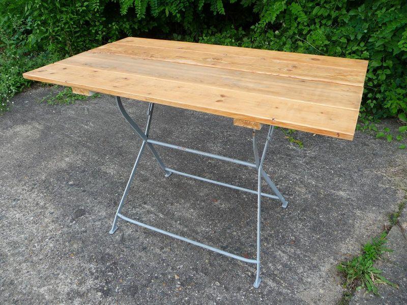 4 gartenst hle tisch konvolut alt antik shabby biergartentisch st hle eisen ebay. Black Bedroom Furniture Sets. Home Design Ideas