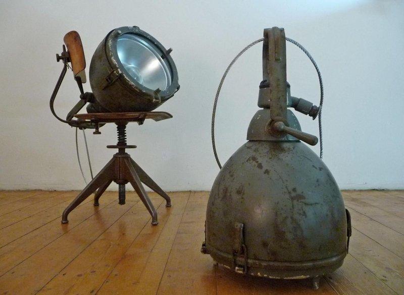 1 of 2 scheinwerfer antik lampe 40er schiffslampe h ngelampe ex milit r bunker ebay. Black Bedroom Furniture Sets. Home Design Ideas