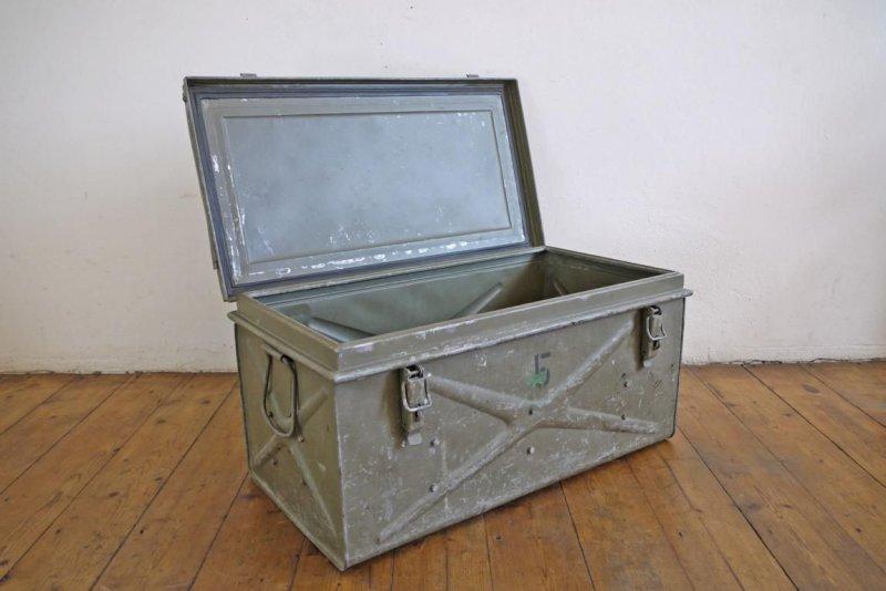 Kiste Als Couchtisch Kiste elefanten tisch box holztruhe