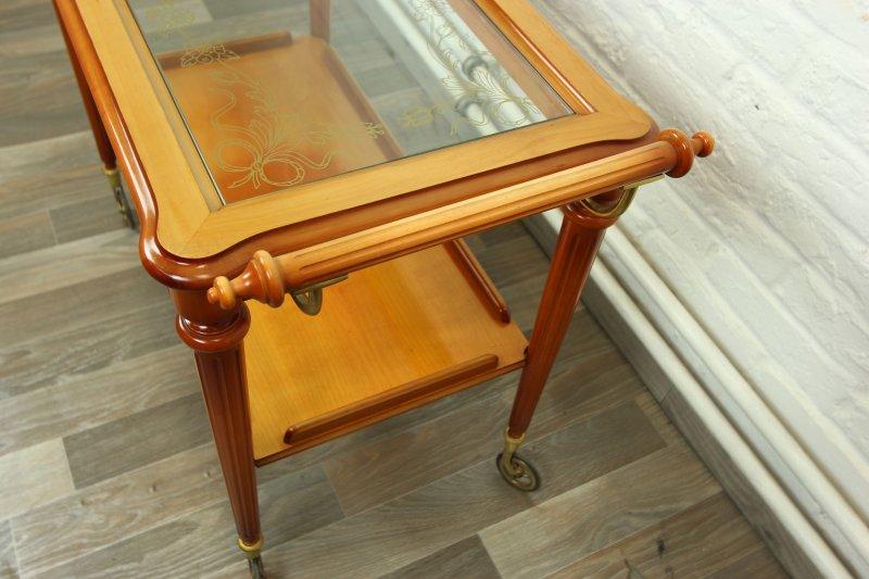 wundersch ner barwagen servierwagen chippendale tisch. Black Bedroom Furniture Sets. Home Design Ideas