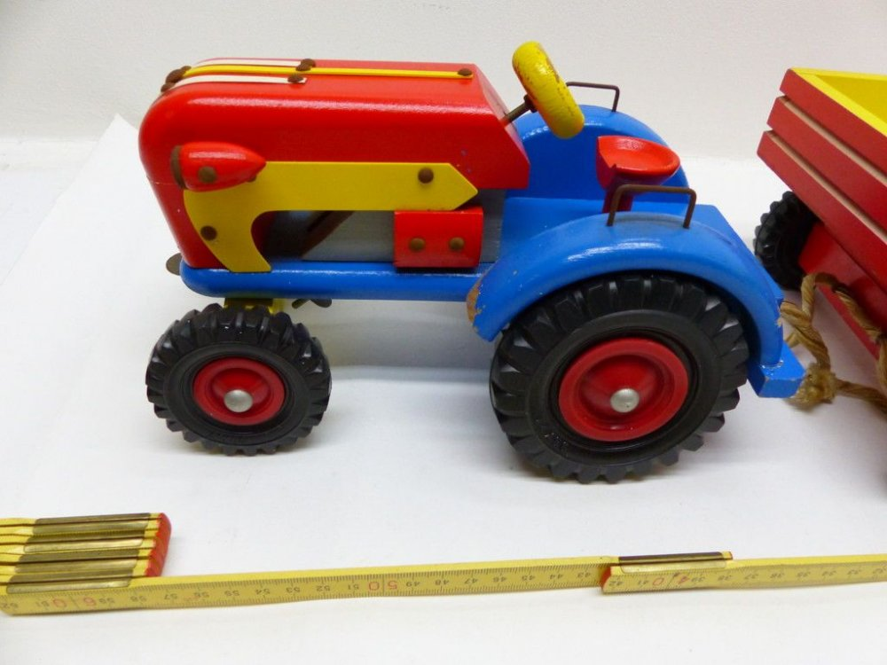 Ddr holz spielzeug traktor mit anhÄnger um l cm