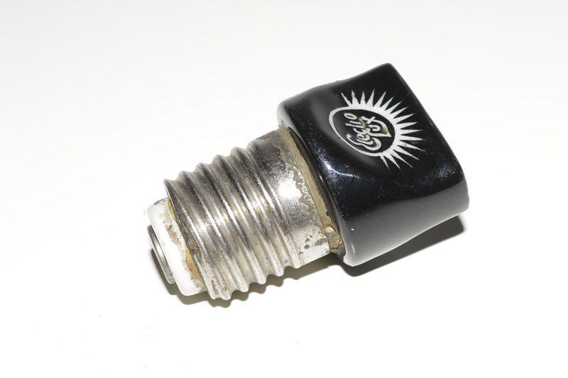 alte porzellan lampenfassung e27 mit steckdose stromdieb fassung ebay. Black Bedroom Furniture Sets. Home Design Ideas