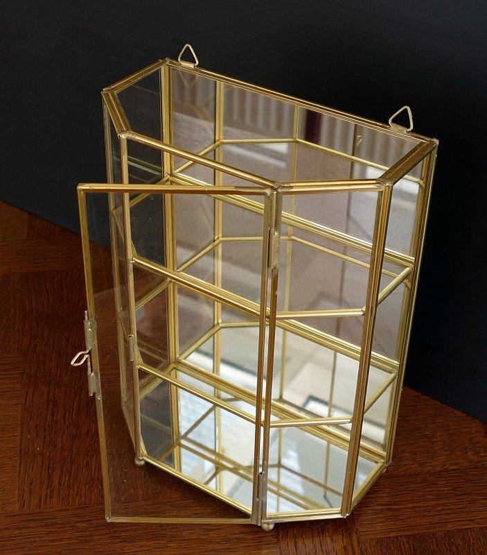sch ner glas setzkasten messing glas vitrine f r miniaturen u swarovski ebay. Black Bedroom Furniture Sets. Home Design Ideas