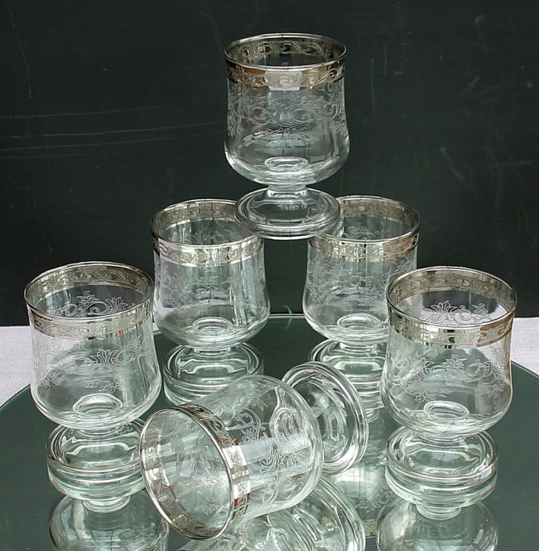 1 wasserglas von murano medici mit silberrand aus den 70er jahren. Black Bedroom Furniture Sets. Home Design Ideas