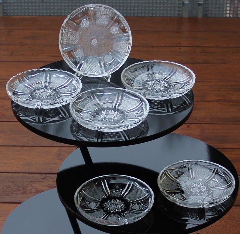 6 ltere b hmische bleikristall dessertschalen mit schleuderstern ebay. Black Bedroom Furniture Sets. Home Design Ideas