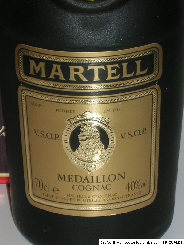 alte flasche cognac martell medaillon vsop ca 30 jahre alt ebay. Black Bedroom Furniture Sets. Home Design Ideas