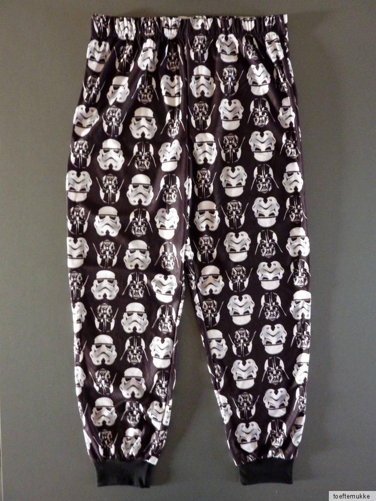 star wars herren fleece pyjama darth vader schlafanzug hausanzug l xl. Black Bedroom Furniture Sets. Home Design Ideas