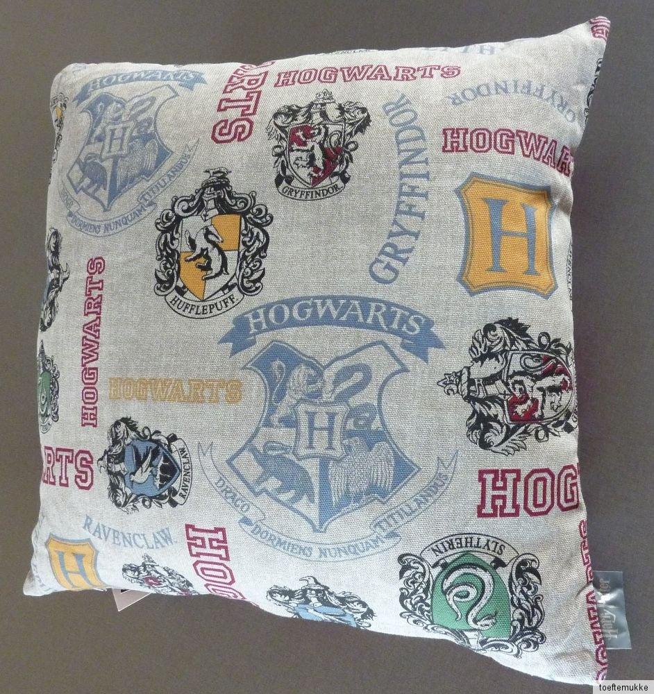 neu harry potter hogwarts kissen h lle dekokissen kopfkissen 40 x 40 primark ebay. Black Bedroom Furniture Sets. Home Design Ideas