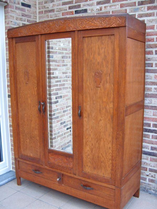 wunderschones antiker kleiderschrank dielenschrank ebay. Black Bedroom Furniture Sets. Home Design Ideas