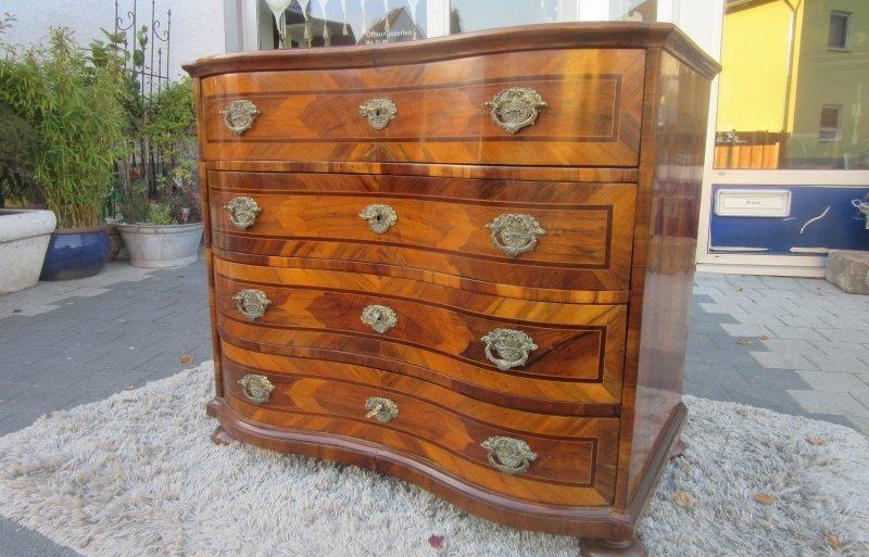 barock kommode frankfurt um 1770 nussbaum hand poliert ebay. Black Bedroom Furniture Sets. Home Design Ideas