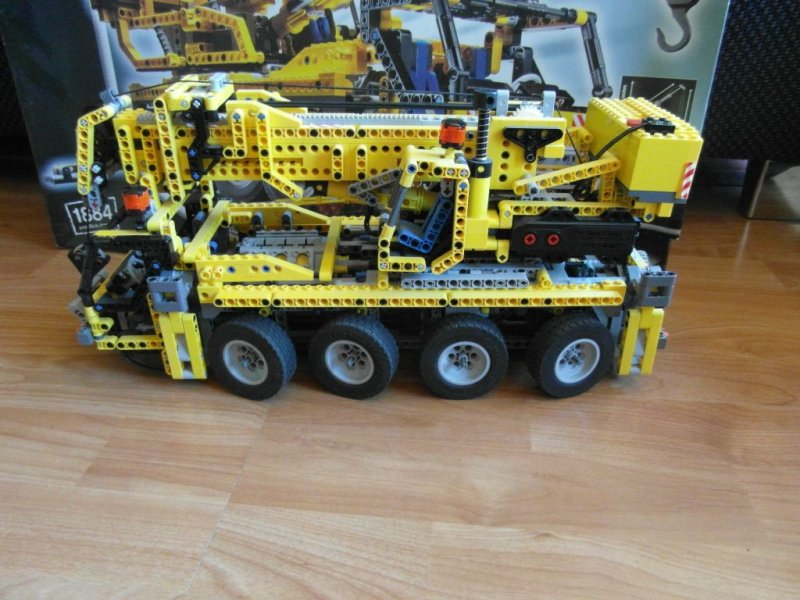 lego technic pneumatik kranwagen mit motor 8421 autokran. Black Bedroom Furniture Sets. Home Design Ideas