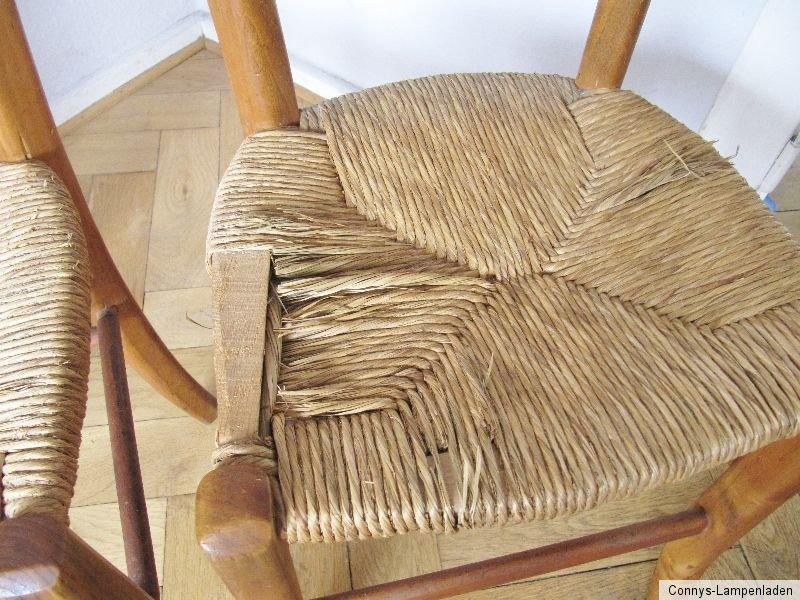 2 sehr alte st hle k chenst hle mit binsengeflecht bastgeflecht ebay. Black Bedroom Furniture Sets. Home Design Ideas