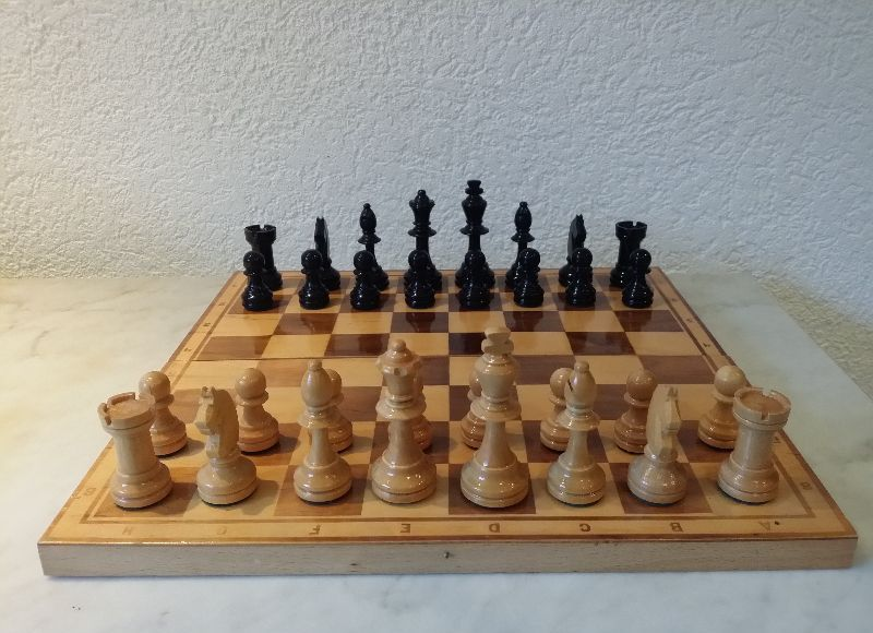 altes schachspiel spiel schach brett mit figuren holz aufklappbar chess ebay. Black Bedroom Furniture Sets. Home Design Ideas