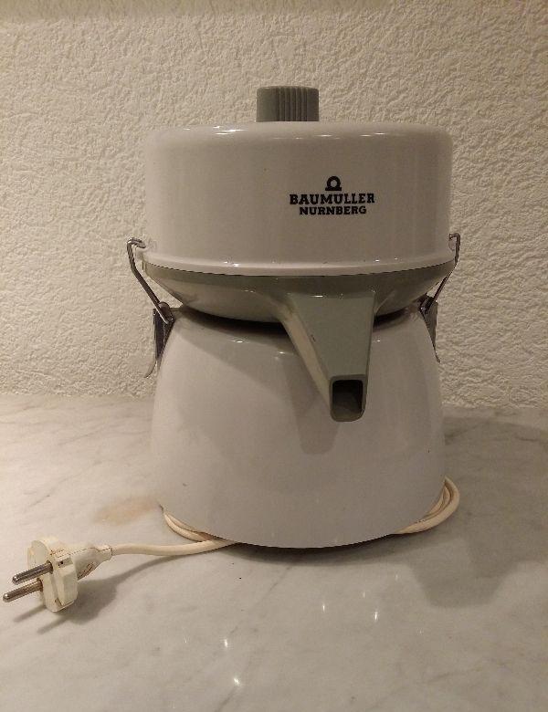 Küchenmaschine Entsafter Zentrifuge Gemüseraspel Baumüller