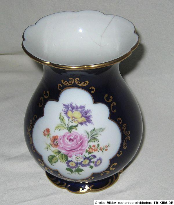 sch ne wallendorf vase echt kobalt handbemalt blumenmotiv ebay. Black Bedroom Furniture Sets. Home Design Ideas