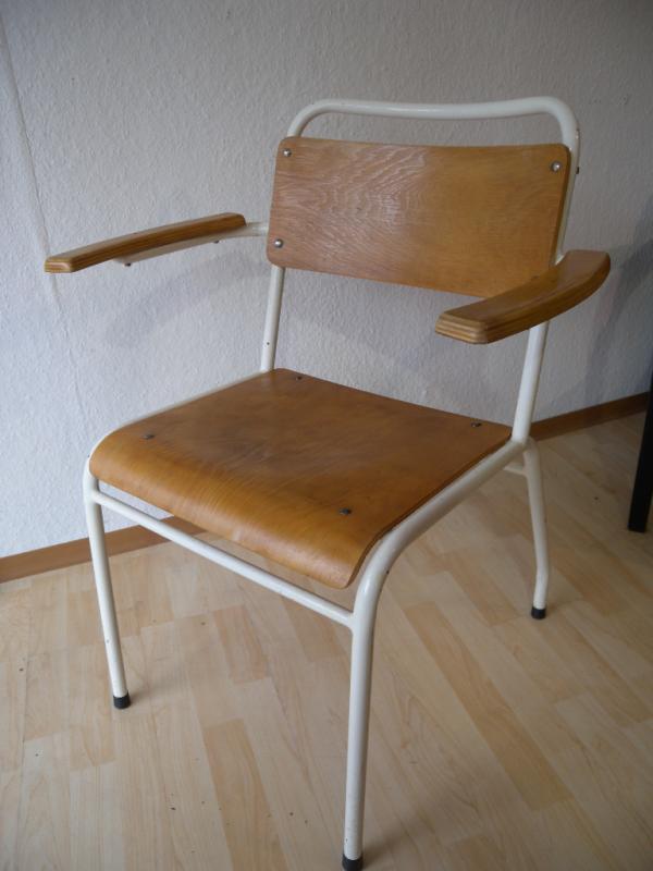 Xl arztstuhl 30er stahlrohr bauhaus armlehnstuhl stuhl for Stuhl industrial design