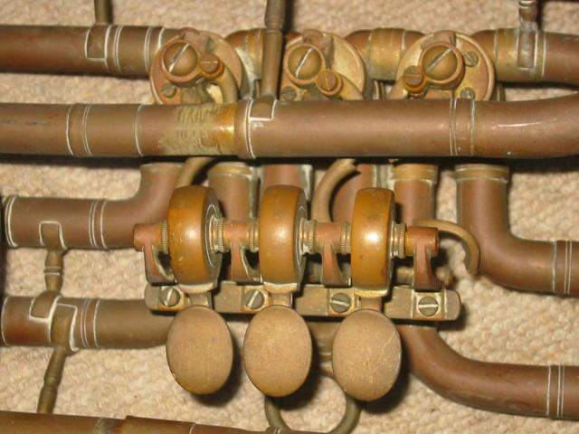 sehr alte basstrompete stark reparaturbed rftig mundst ck von alexander mainz ebay. Black Bedroom Furniture Sets. Home Design Ideas