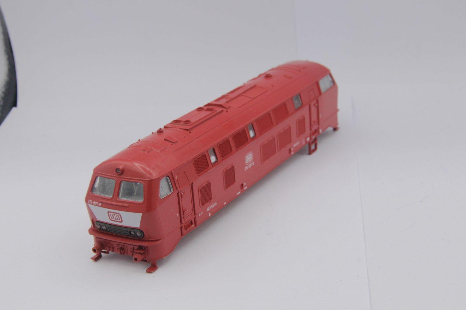 Ersatzteil Roco Gehäuse 215 001-9 orientrot mit LATZ DB - rotes Dach (2)