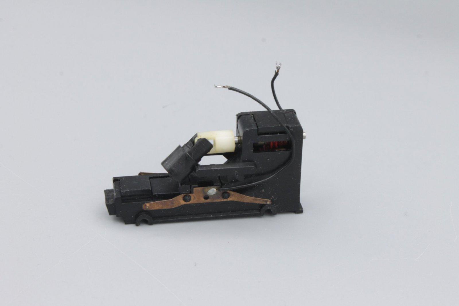 Ersatzteil Roco 215 / 218 Getriebe mittige Zahnräder schrägverz. rot/weiß Var. 3
