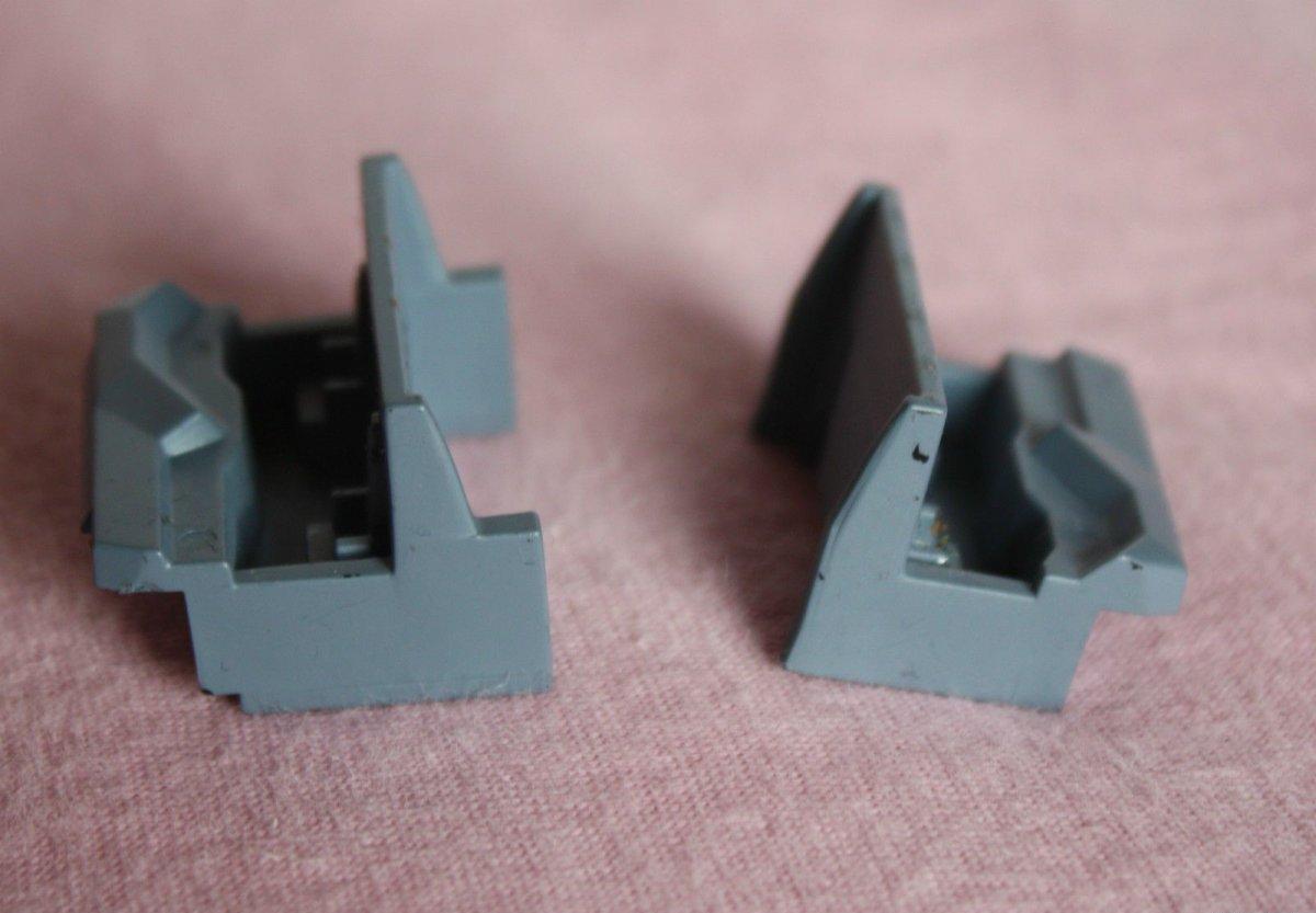 Ersatzteil Piko H0 189 / ES64 F4Führerstandsinneneinrichtung 2 Stück