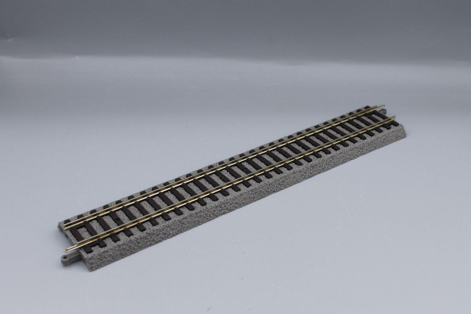 Piko 55401  A-Gleis - Gerade G231 mit Bettung - neu - 231mm