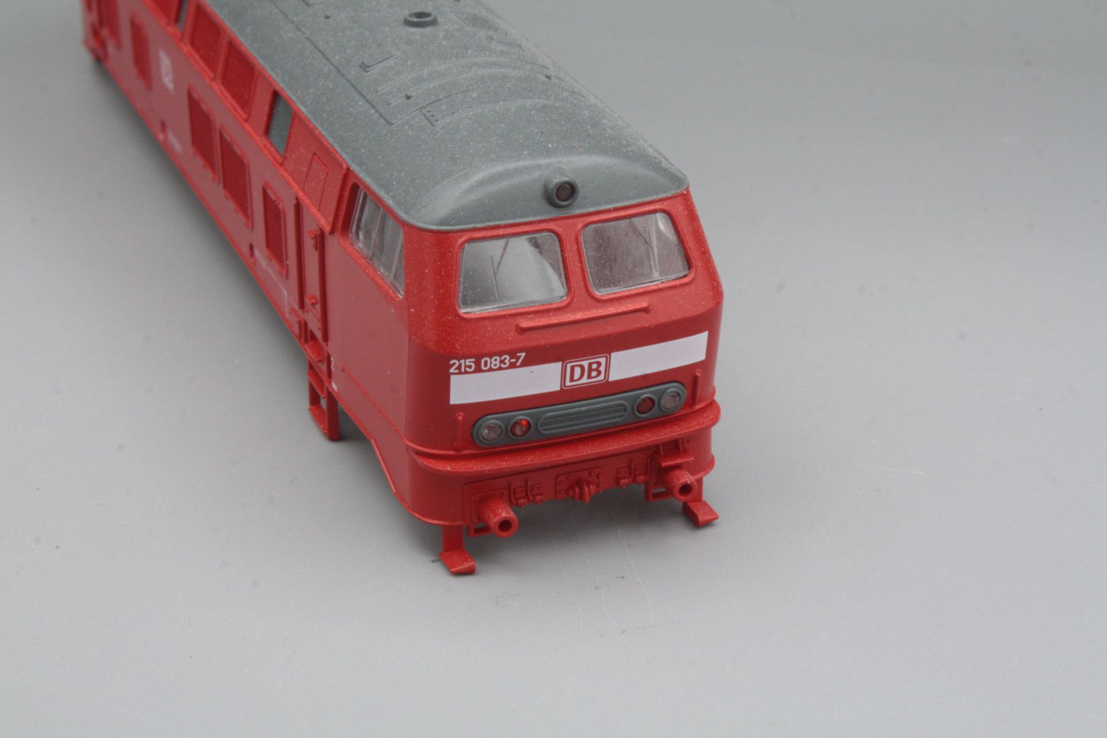 Ersatzteil Roco Gehäuse 215 083-7 verkehrsrot DB AG - Top Zustand