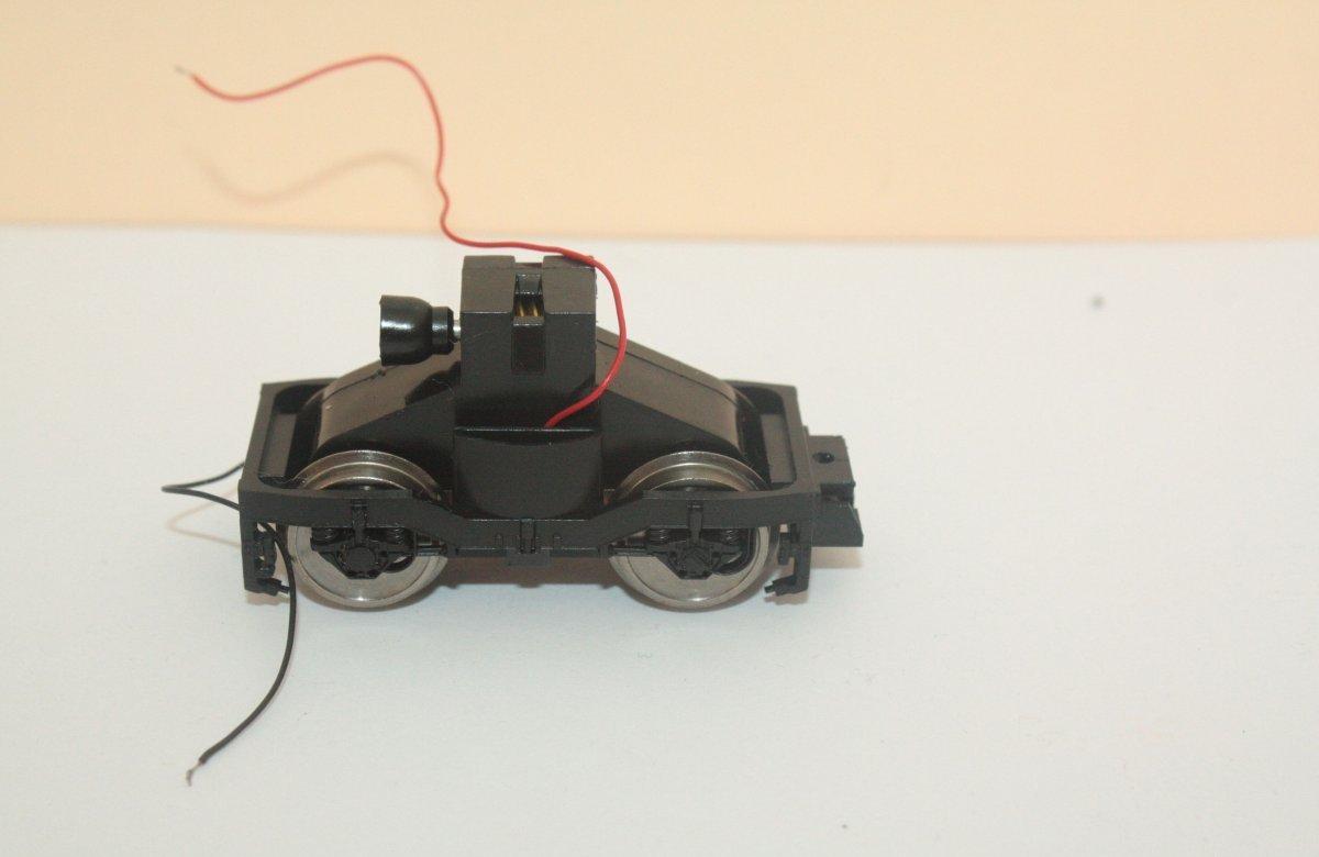 Ersatzteil Piko BR 101 Drehgestell Getriebe Radsätze Drehgestellblende