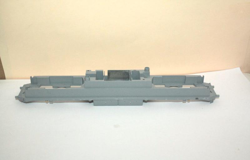 Ersatzteil Piko H0 119 / 219 Rahmen - grau - mit Luftbehälter und Lautspr.-abdec