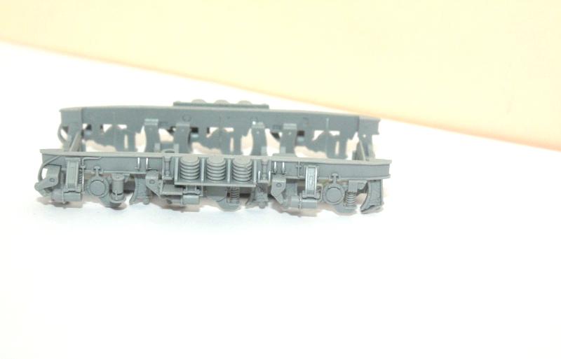 Ersatzteil Piko BR 119 / 219 Drehgestellblende grau