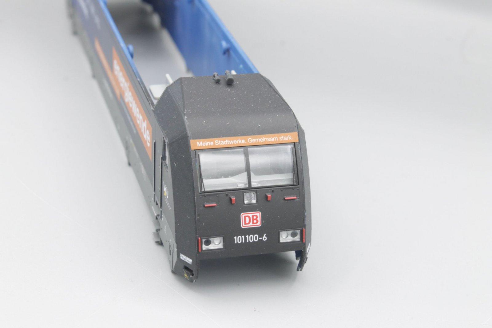 Ersatzteil Piko BR 101 100-6 Gehäuse Energiewende blau - mit Farbfehler!