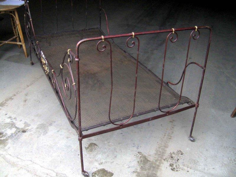 engel putten bett antik aus metall klappbar jugendstil rar. Black Bedroom Furniture Sets. Home Design Ideas