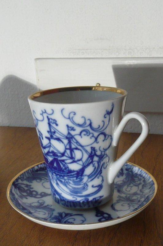 lomonosov 2 x grosse kaffee tee tasse mit schiffsmotiv blau weiss gold ebay. Black Bedroom Furniture Sets. Home Design Ideas