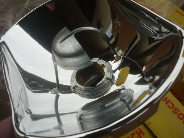 2 x bosch scheinwerfer reflektor 1305365911 mercedes 1. Black Bedroom Furniture Sets. Home Design Ideas