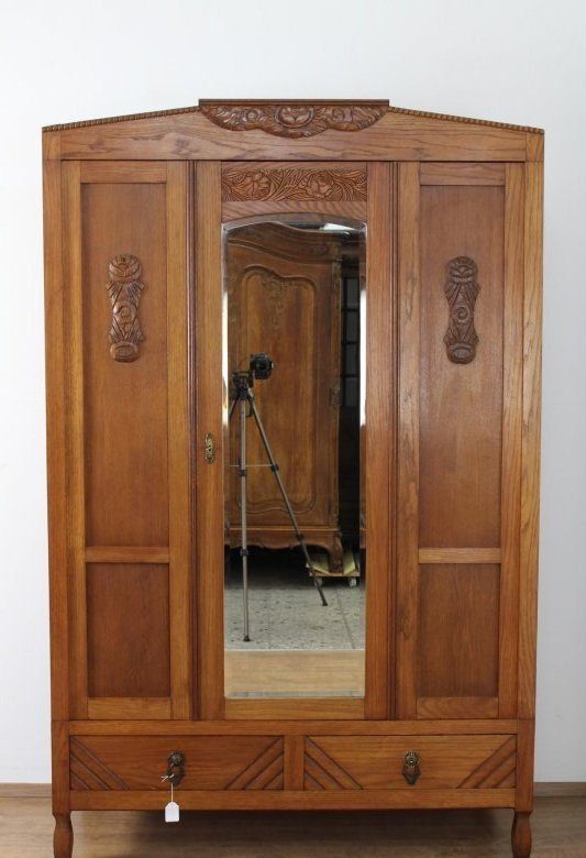 sch118 antiker kleiderschrank dielenschrank art deco von 1931 frankreich eiche ebay. Black Bedroom Furniture Sets. Home Design Ideas