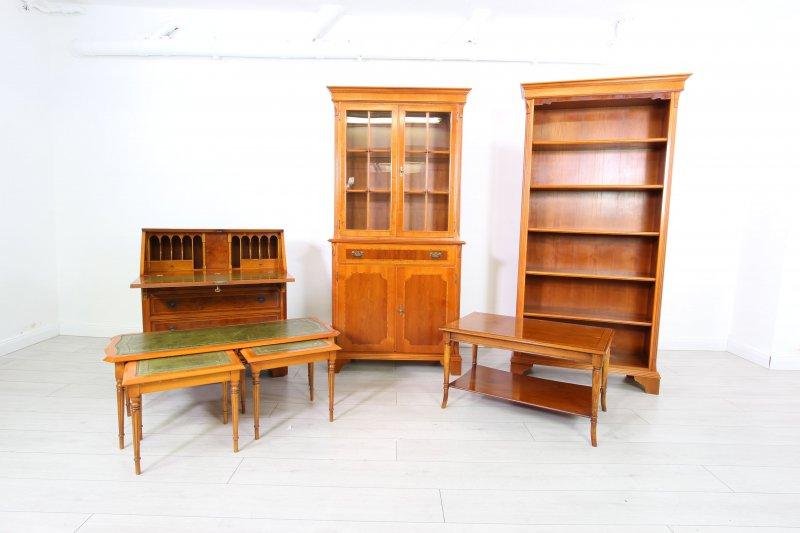 Traumhaftes 3 teiliges couch tisch set ablage stilm bel for Englische stilmobel
