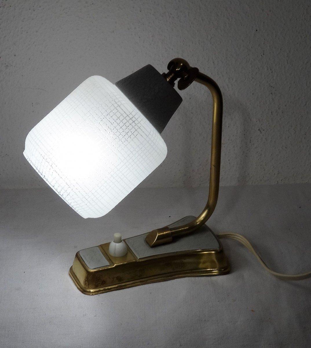 Kleine kultige lampe tischlampe nachttischlampe 60er jahre for Kleine nachttischlampe