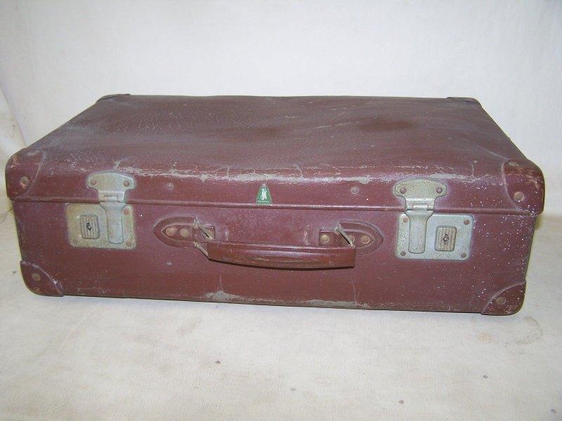 alter koffer reisekoffer 50er jahre hartplatte kult. Black Bedroom Furniture Sets. Home Design Ideas